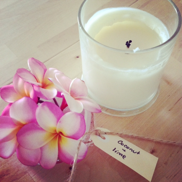 candle_flowers_romantic-dinner.jpg