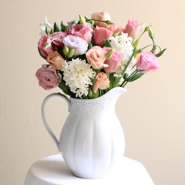 florist-delivering-flowers-to-riverview.jpg
