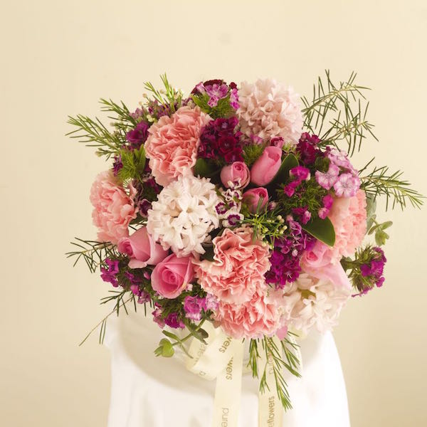 florist-delivers-flowers-to-greenwich.jpg