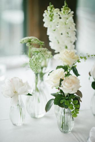 spring-wedding-flowers-table-centrepiece-garden-wedding-style.jpg